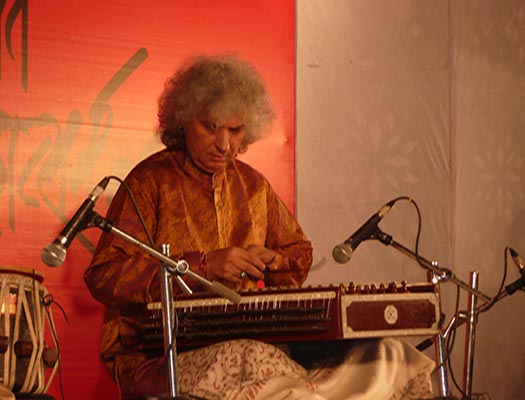 Pt Shivkumar Sharma The Heavenly Sound Of Santoor